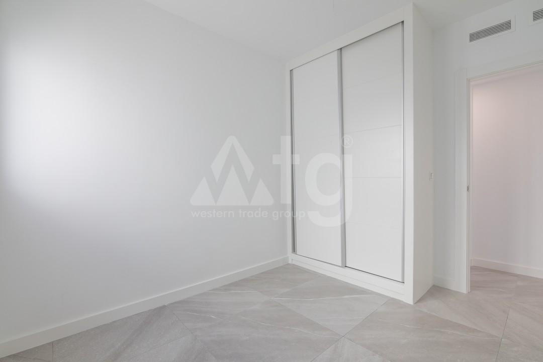 3 bedroom Apartment in Torrevieja  - ERF115826 - 20