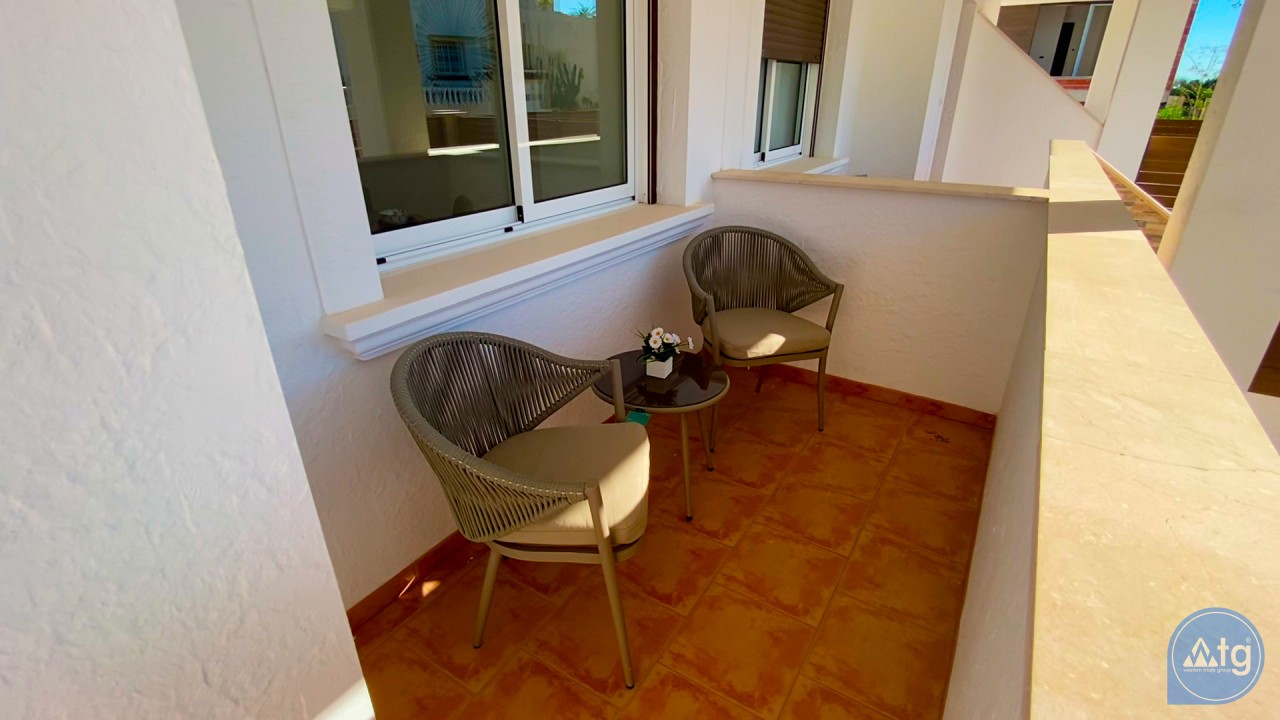 3 bedroom Apartment in Torrevieja  - ERF115826 - 46