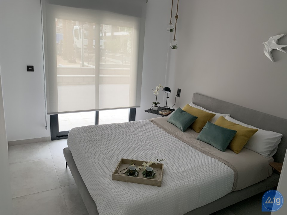 2 bedroom Apartment in Torrevieja  - AG5874 - 10