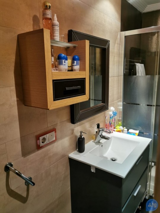 2 bedroom Apartment in Torrevieja  - AGI8538 - 11