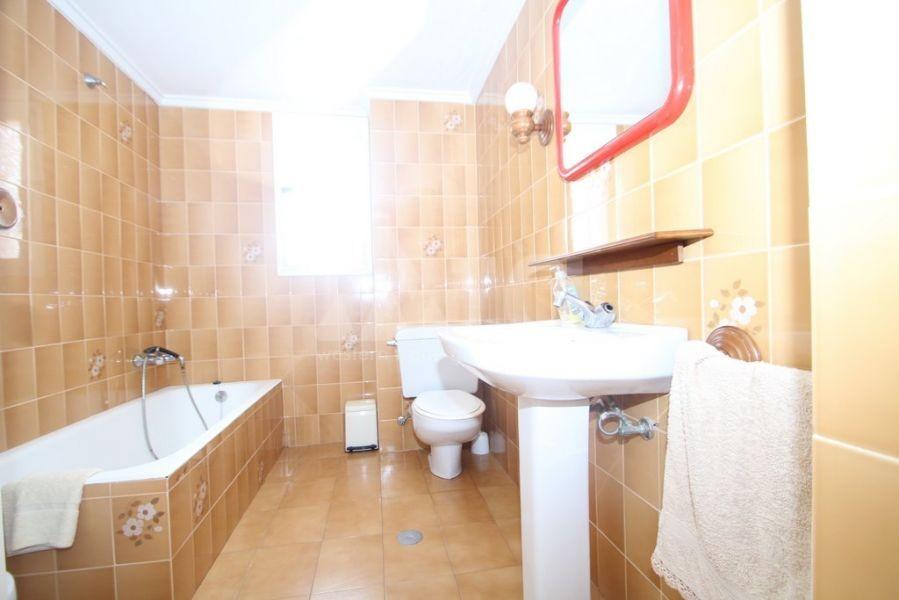 2 bedroom Apartment in Villajoyosa - QUA8615 - 12