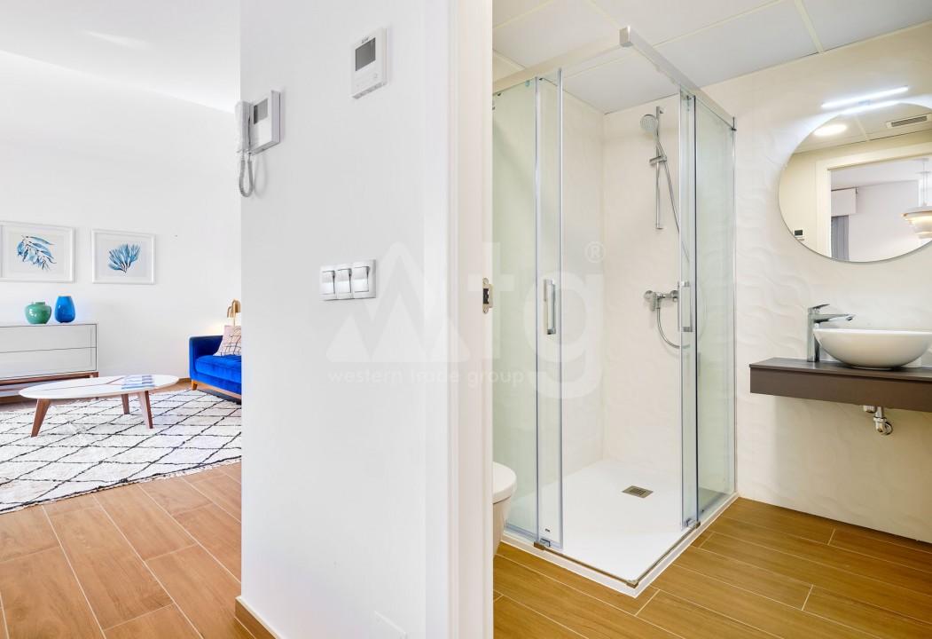 3 bedroom Duplex in Torrevieja  - IR114382 - 11