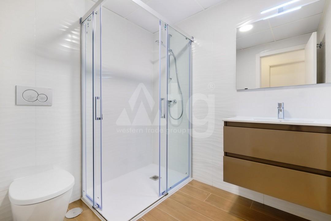 3 bedroom Duplex in Torrevieja  - IR114382 - 13