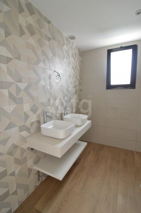 3 bedroom Penthouse in Torrevieja - AGI5938 - 13