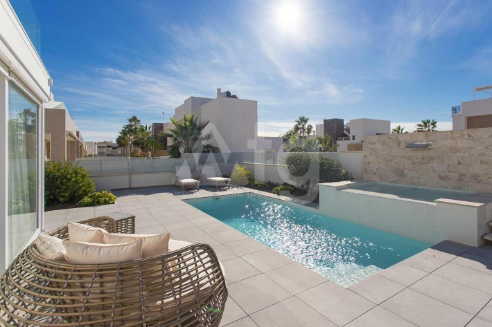 2 bedroom Penthouse in Torrevieja  - AGI8532 - 3