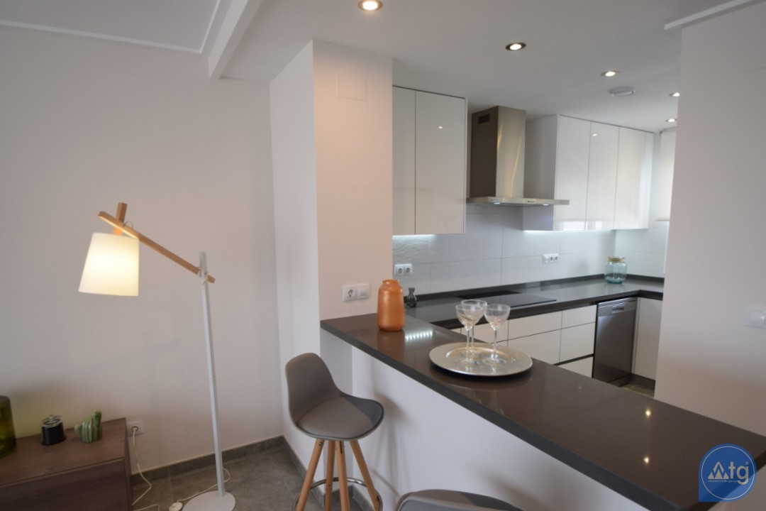 3 bedroom Penthouse in Villamartin - NS8294 - 25