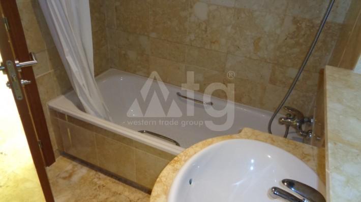 2 bedroom Penthouse in Torrevieja - AGI8541 - 12