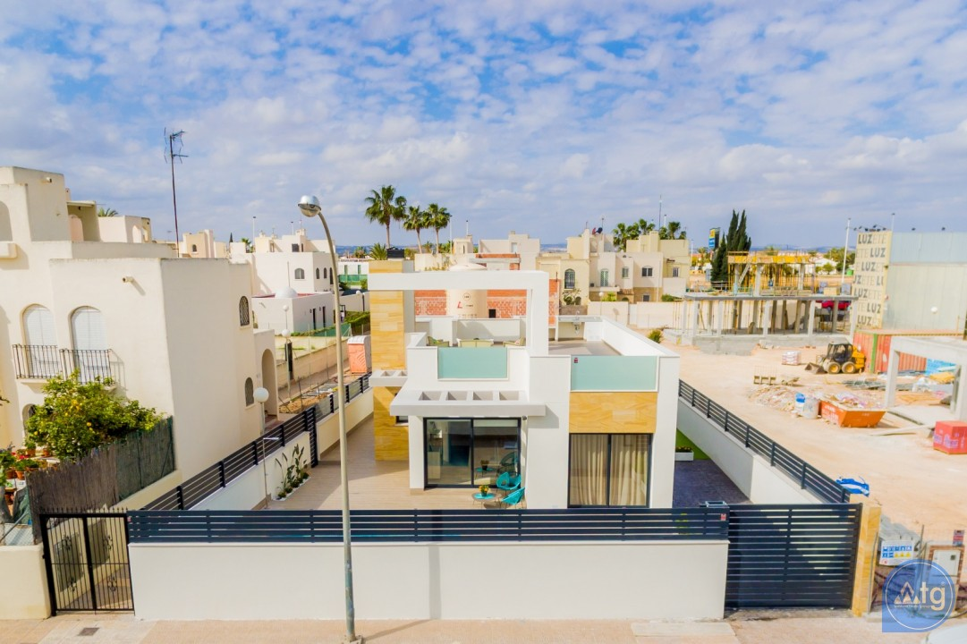 3 bedroom Villa in Torrevieja  - SSN113916 - 23