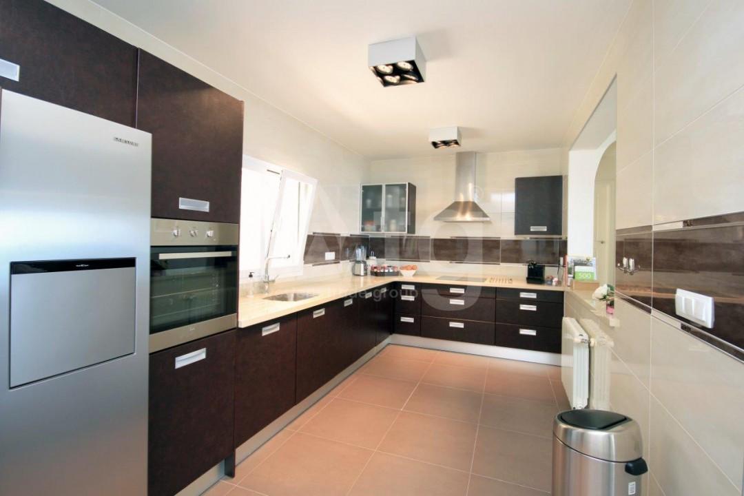 3 bedroom Apartment in Torrevieja  - ERF115830 - 11