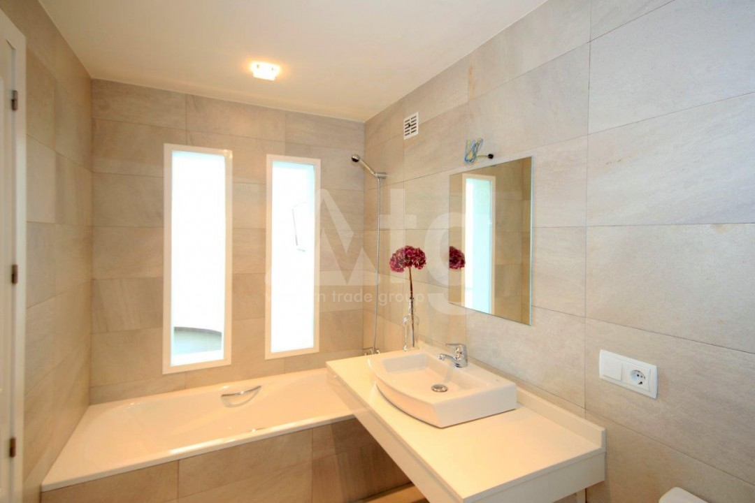 3 bedroom Apartment in Torrevieja  - ERF115830 - 13