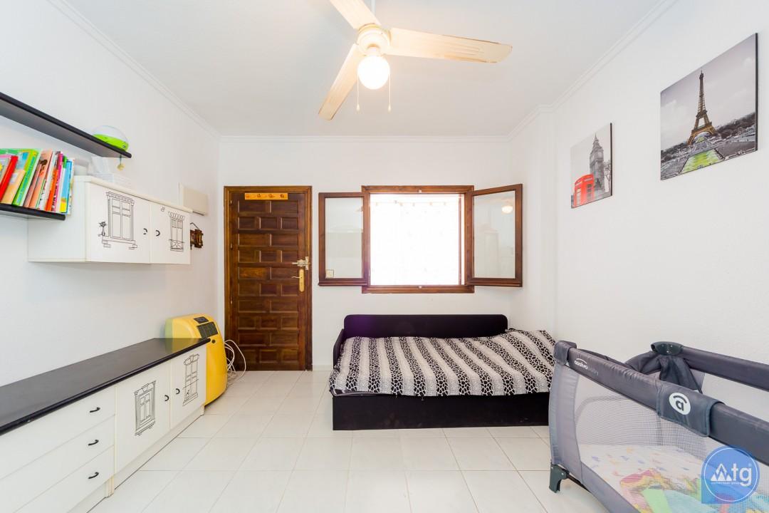 4 bedroom Apartment in Torrevieja - GDO2742 - 1