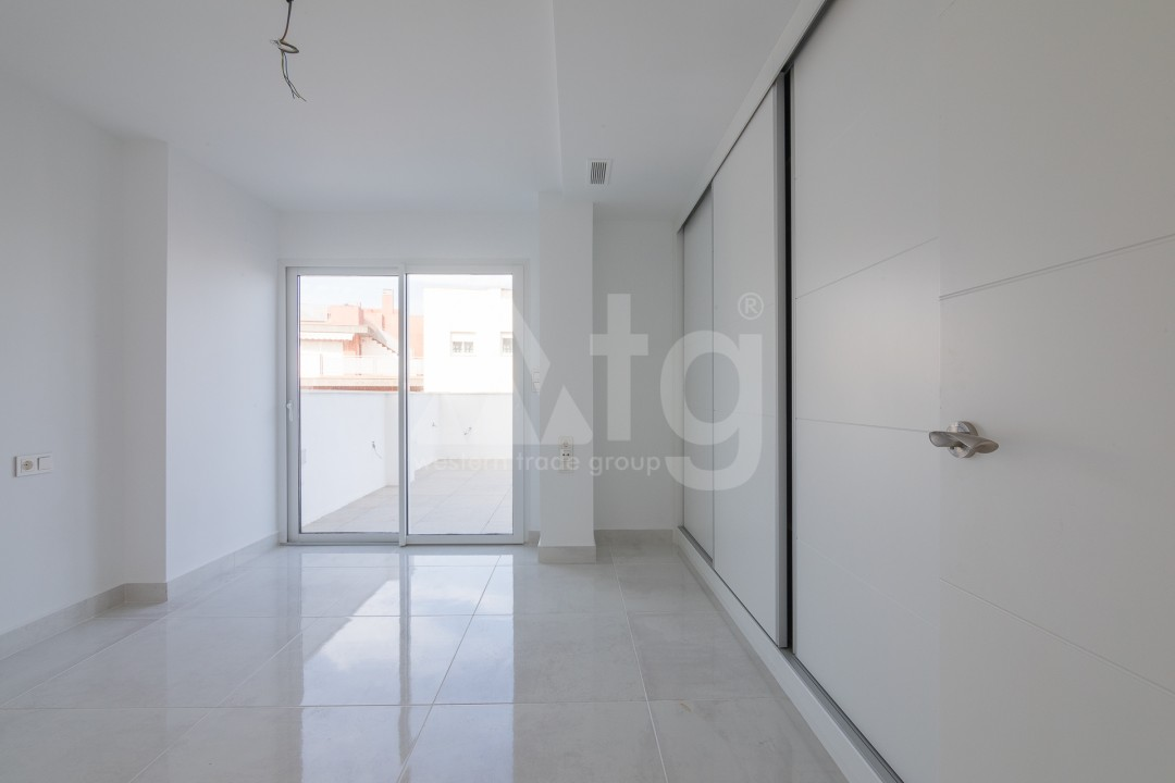 3 bedroom Apartment in Torrevieja  - ERF115825 - 16