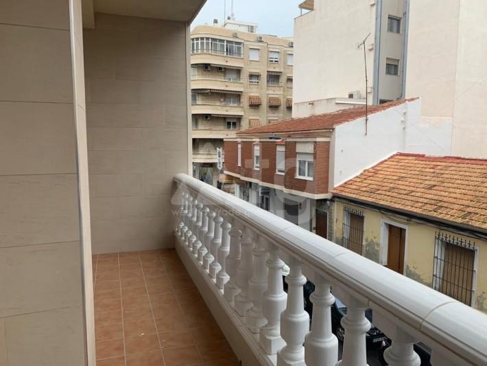 4 bedroom Villa in Torrevieja  - AGI8556 - 2