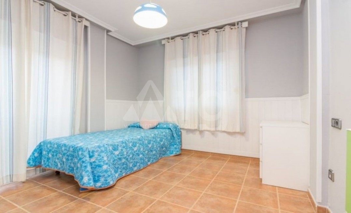 3 bedroom Penthouse in Torrevieja - AGI6070 - 10