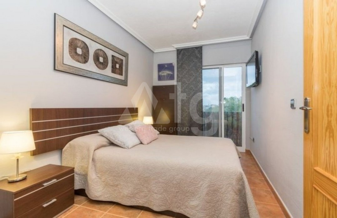 3 bedroom Penthouse in Torrevieja - AGI6070 - 8