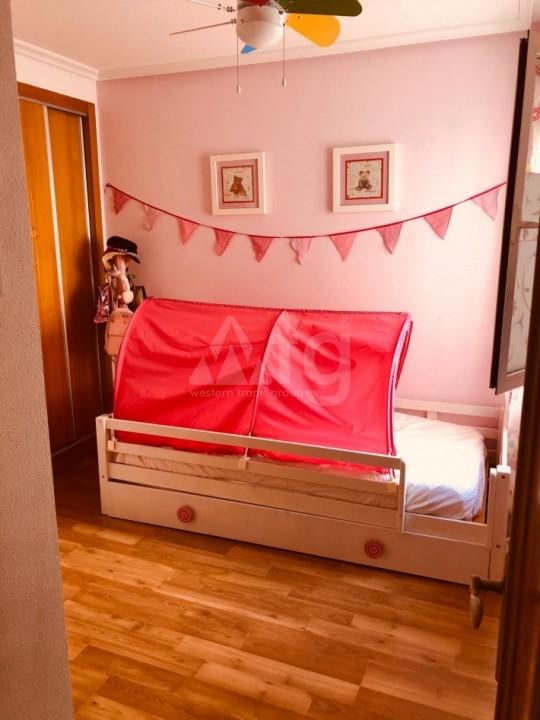 Bungalow de 3 chambres à Torrevieja - AGI115463 - 16