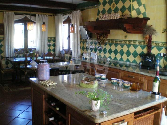 Bungalow de 3 chambres à Torrevieja - AGI115461 - 7