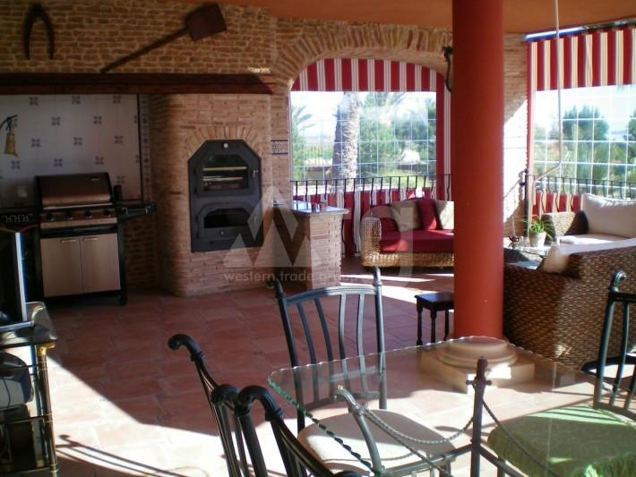 Bungalow de 3 chambres à Torrevieja - AGI115461 - 8