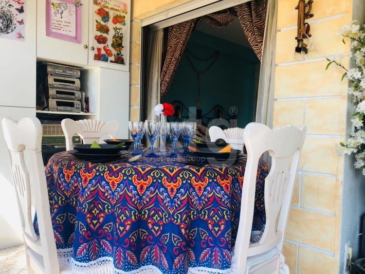 Bungalow de 3 chambres à Torrevieja - AGI115460 - 10