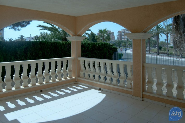 Penthouse de 2 chambres à Torrevieja - AG8429 - 11