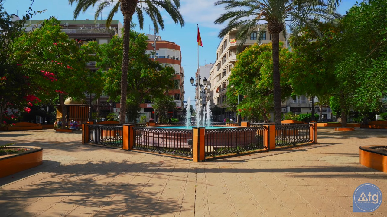 Penthouse de 2 chambres à Torrevieja - AG8429 - 30