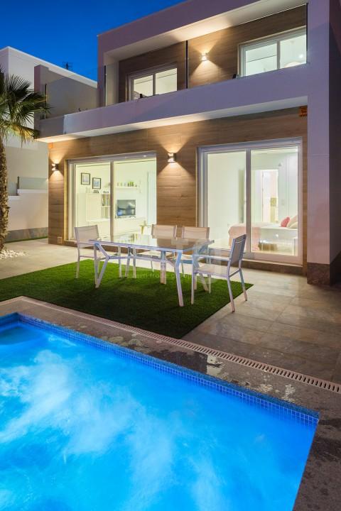 Villa de 3 chambres à Pilar de la Horadada - RP8067 - 27