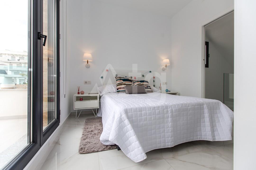 3 bedroom Penthouse in Torrevieja - AGI6068 - 17