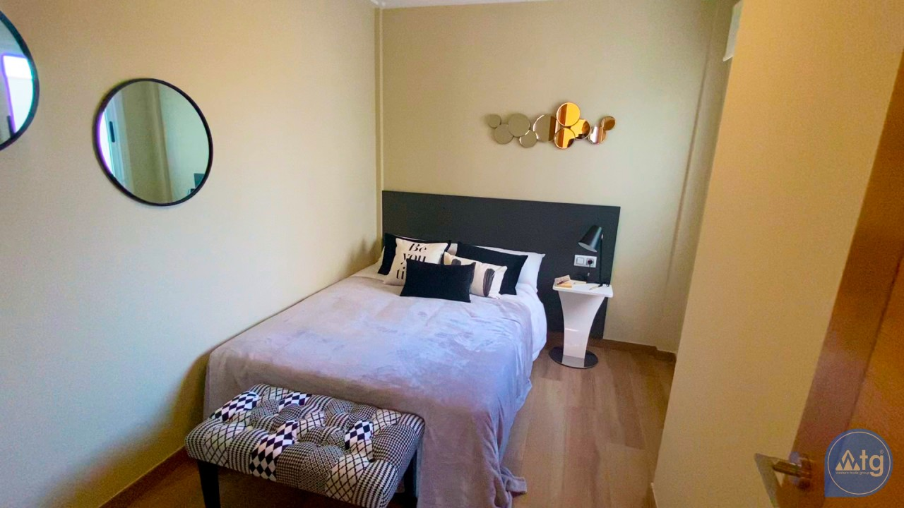 Appartement de 3 chambres à Torrevieja - ERF115835 - 29