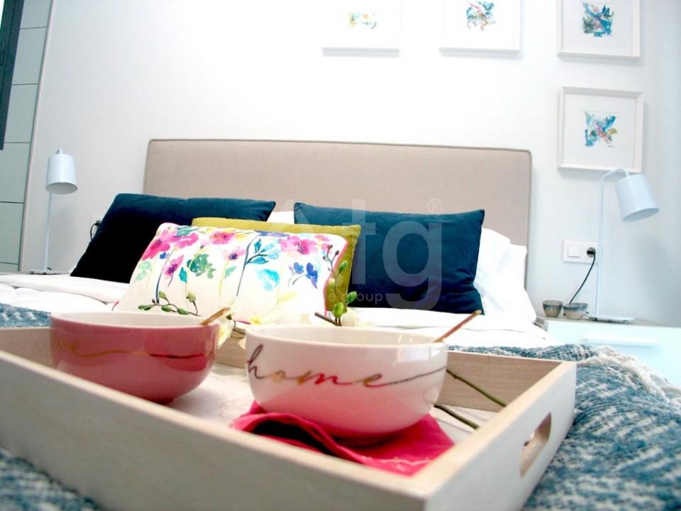 4 bedroom Villa in La Marina  - GV8051 - 10