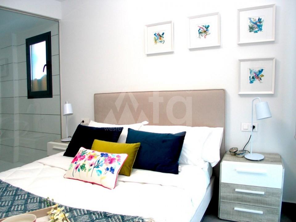 4 bedroom Villa in La Marina  - GV8051 - 11