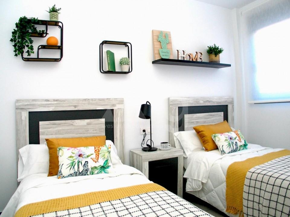 4 bedroom Villa in La Marina  - GV8051 - 13