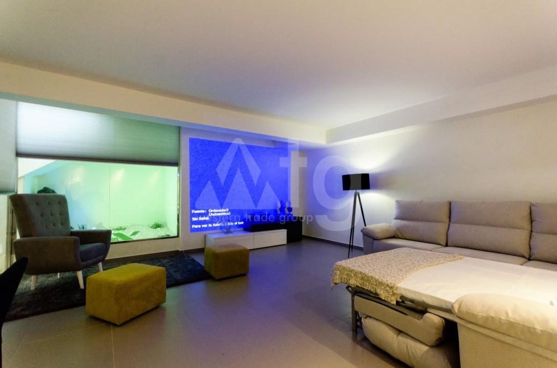 Appartement de 2 chambres à Torrevieja - TR7295 - 13