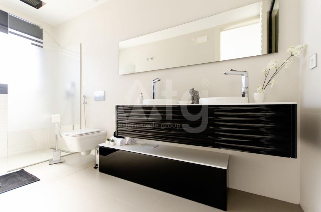 Appartement de 2 chambres à Torrevieja - TR7295 - 16
