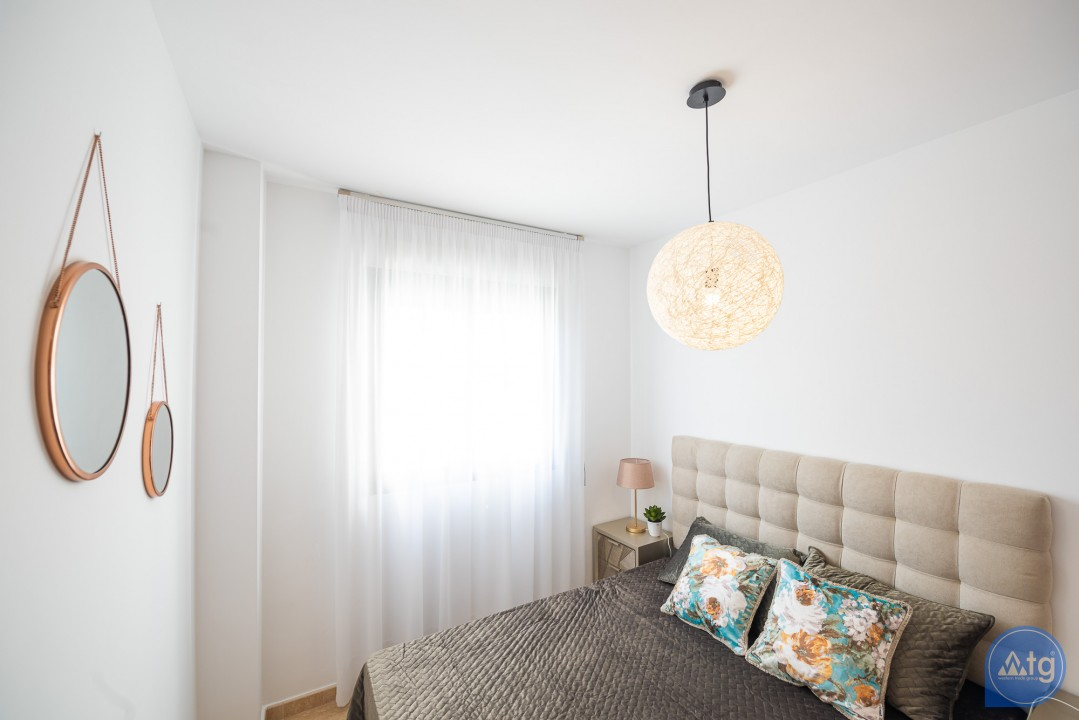 3 bedroom Apartment in Alicante  - IM8257 - 23