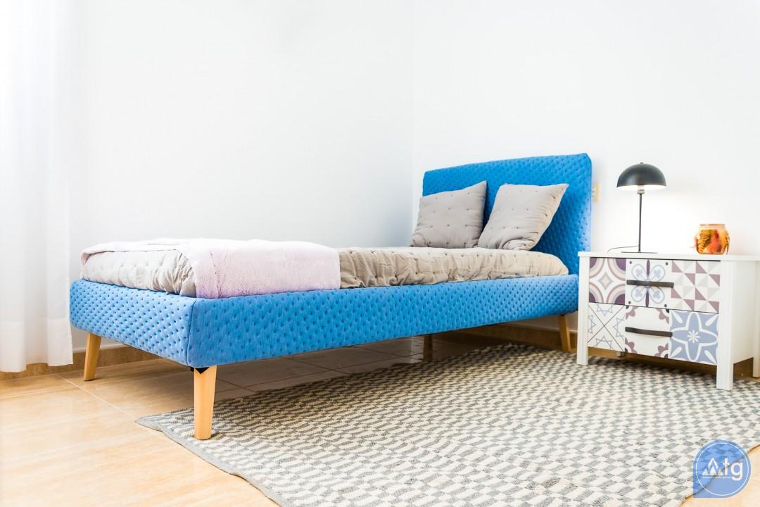 3 bedroom Apartment in Alicante  - IM8257 - 24