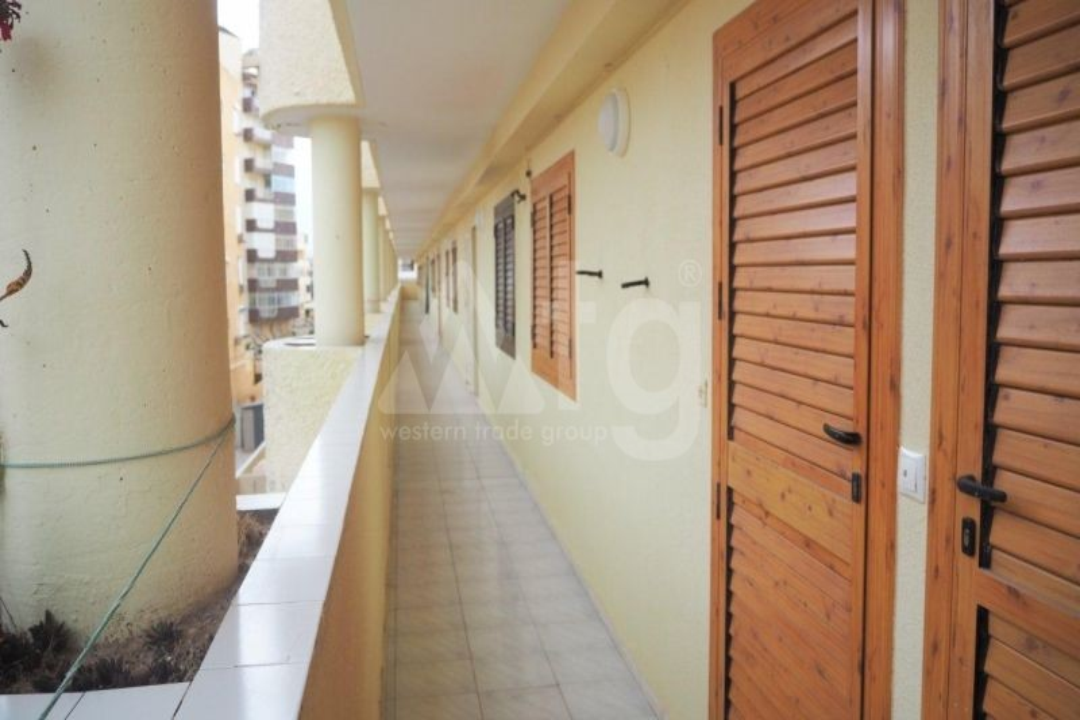 3 bedroom Apartment in Mil Palmeras  - TRI114774 - 16