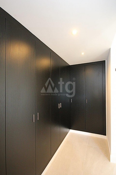 3 bedroom Apartment in Torrevieja  - ERF115829 - 13