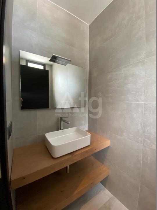 3 bedroom Apartment in Torrevieja  - ERF115829 - 20