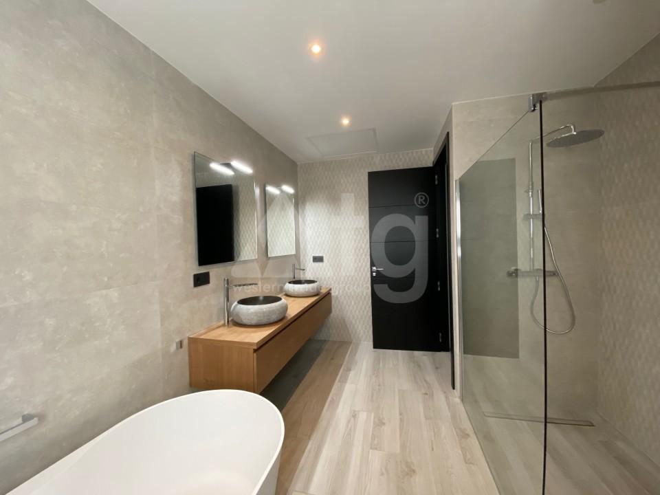 3 bedroom Apartment in Torrevieja  - ERF115829 - 21
