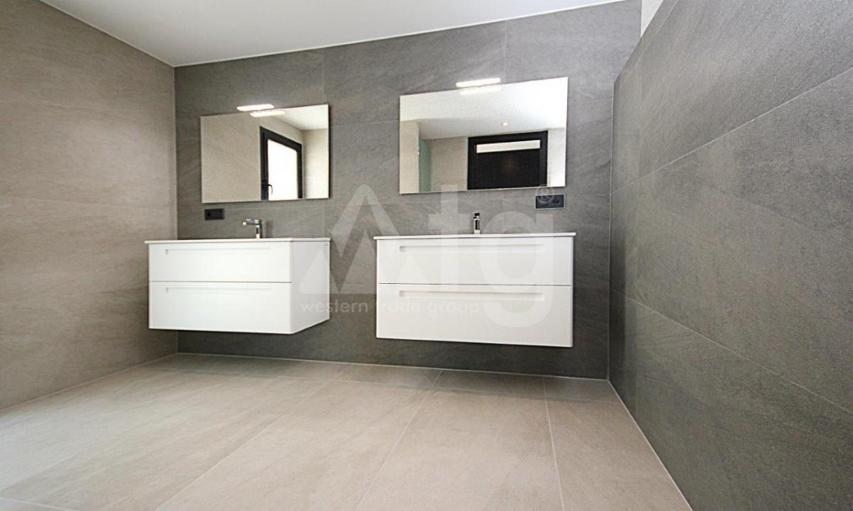 3 bedroom Apartment in Torrevieja  - ERF115829 - 23