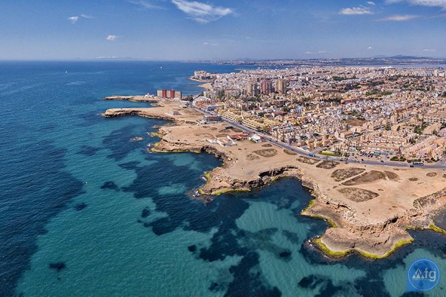 2 bedroom Apartment in Torrevieja  - TR114315 - 14