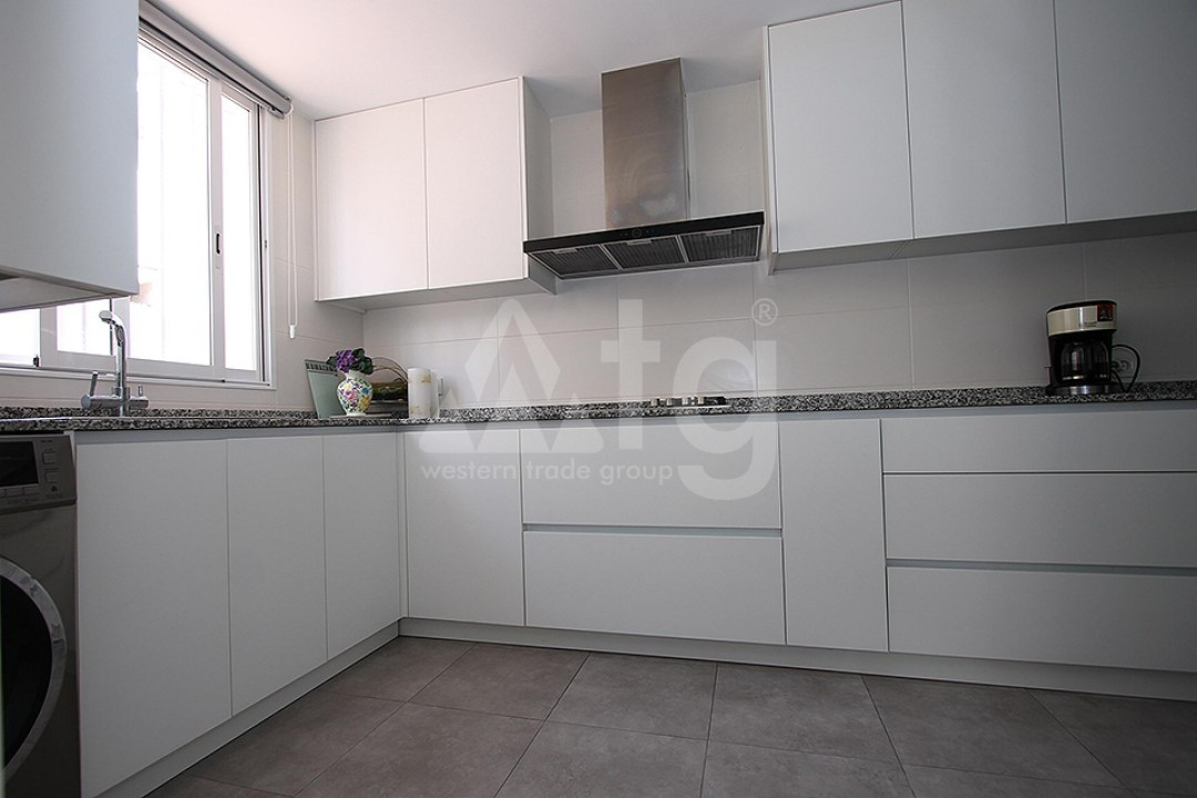 2 bedroom Apartment in Torrevieja  - TR114315 - 5