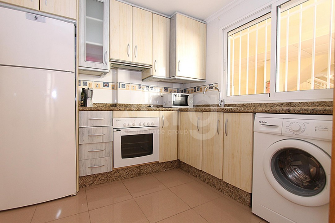 2 bedroom Apartment in Torrevieja  - TR114316 - 12