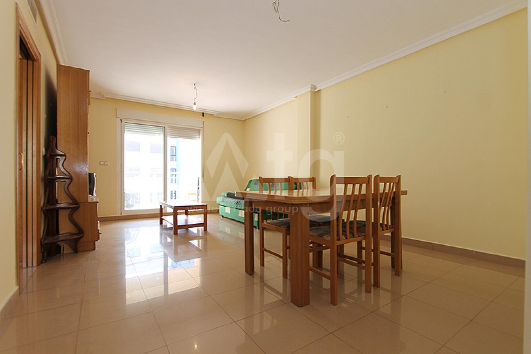 2 bedroom Apartment in Torrevieja  - TR114316 - 3