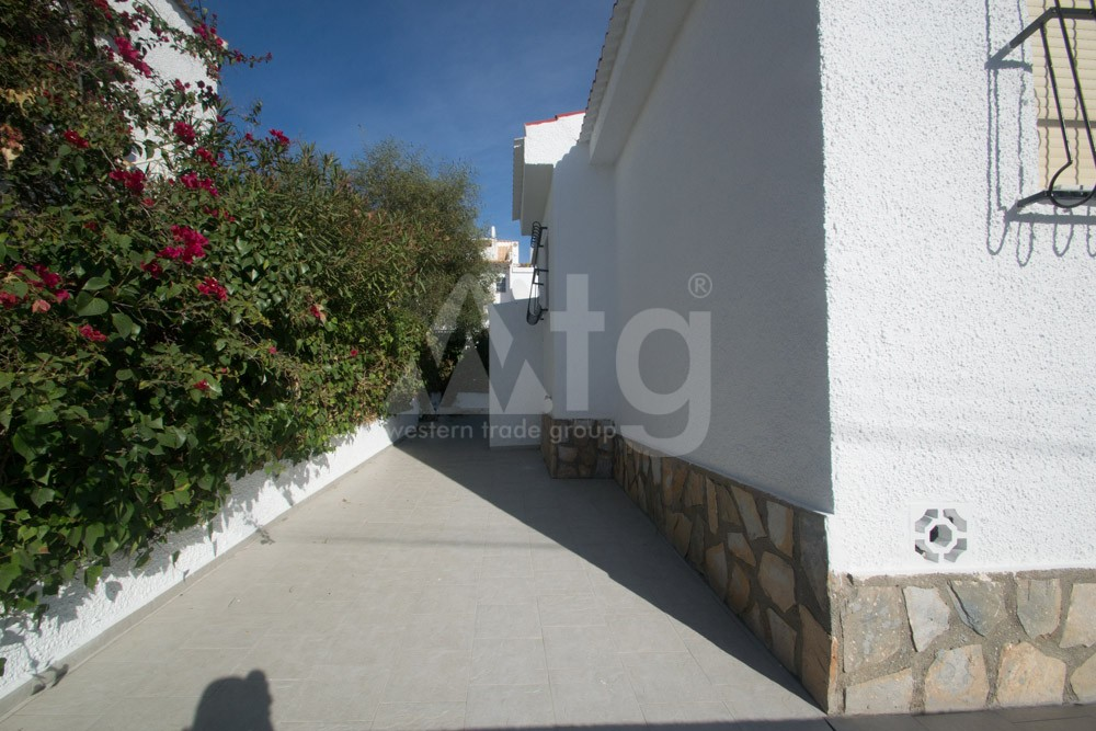 3 bedroom Townhouse in Torrevieja - AG9556 - 8