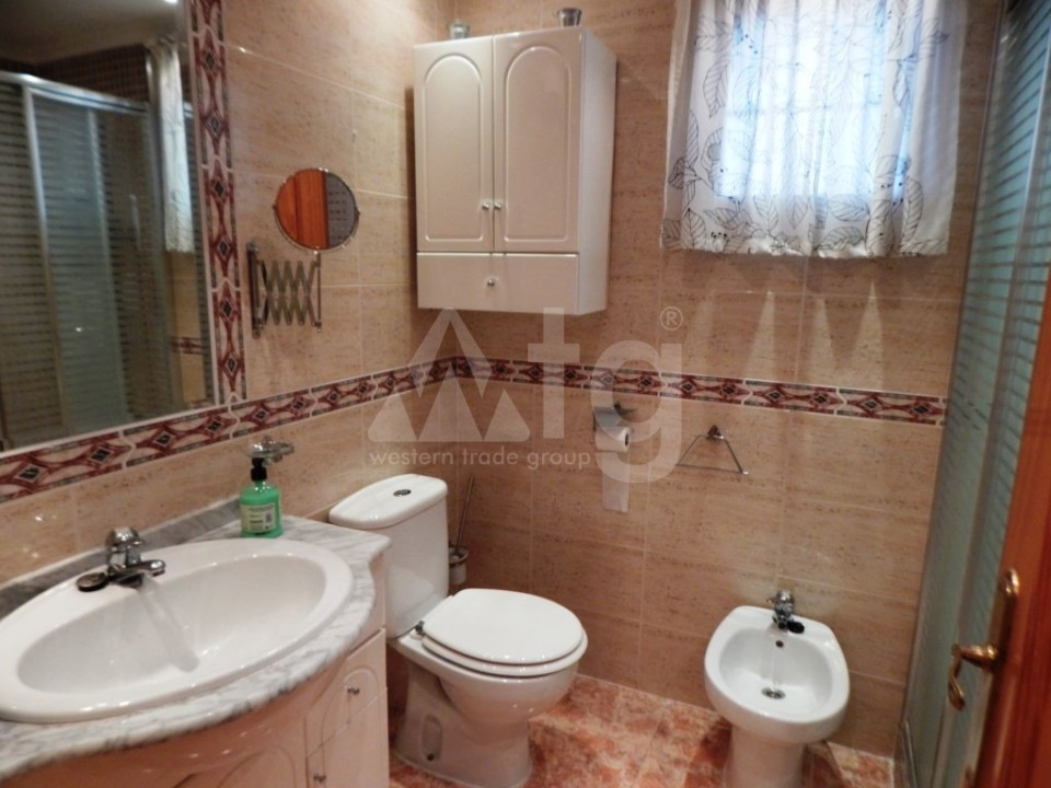 3 bedroom Townhouse in Torrevieja - AG9467 - 13