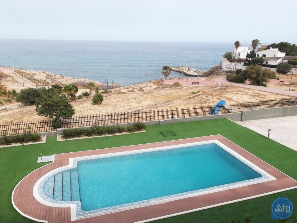 4 bedroom Townhouse in Villamartin  - AG9237 - 2