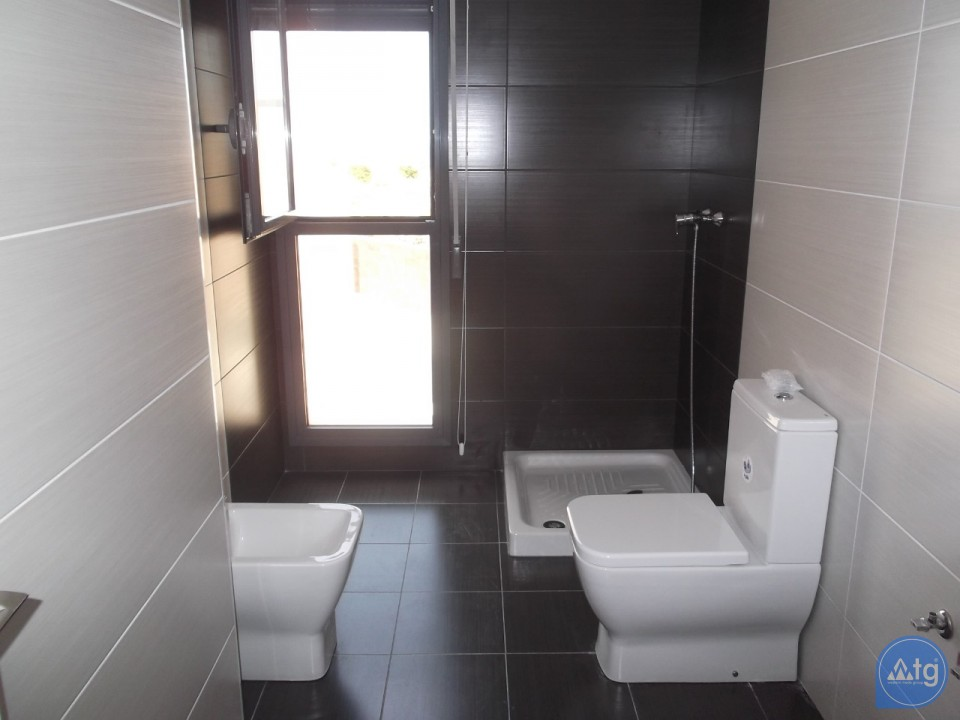 4 bedroom Townhouse in Villamartin  - AG9237 - 8