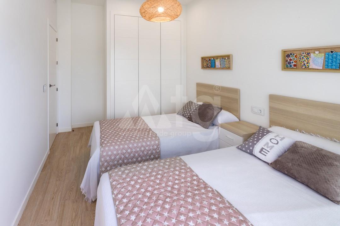 4 bedroom Townhouse in Villamartin - AG9131 - 13