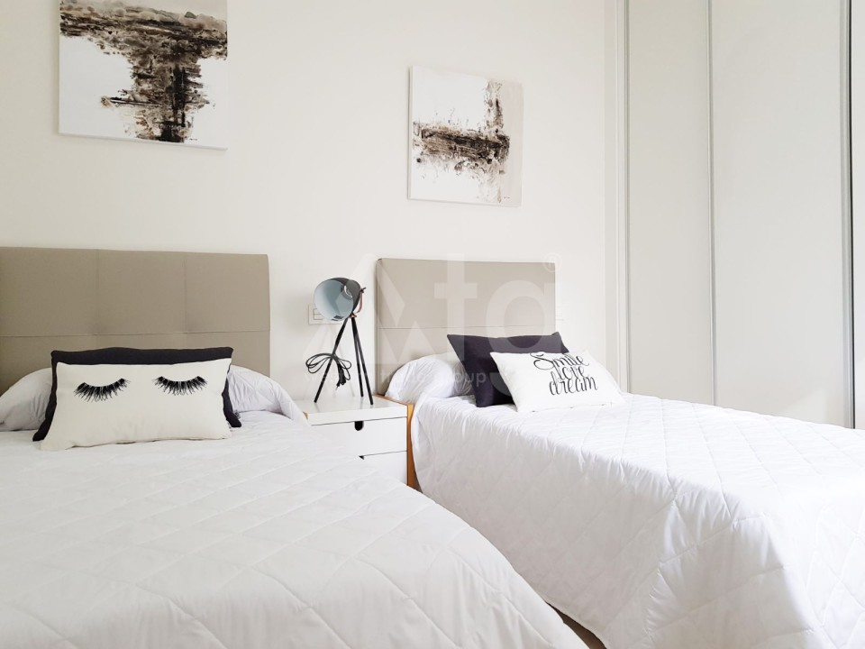 Villa de 3 chambres à Pinar de Campoverde - LA7243 - 8